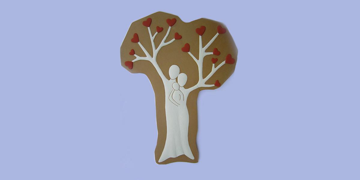albero di famiglia bassorilievo in argilla rossa dipinta con ingobbi